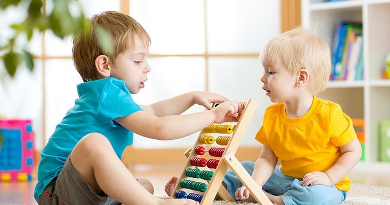 Deca su ukras sveta: Kroz igru dete upoznaje
